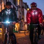 Ένα LED σακάκι σώζει ζωές ποδηλατών