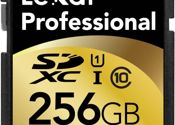 256GB-SDXC-card-02