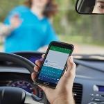 Οδήγηση και driving selfies; «Κοστίζουν»!
