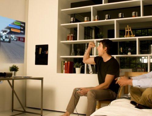 LG Minibeam με ενισχυμένη μπαταρία και ultra short throw προβολή
