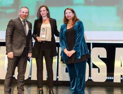 H LG βραβεύτηκε για 3η φορά 'Προμηθευτής της Χρονιάς' στα Retail Business Awards 2017