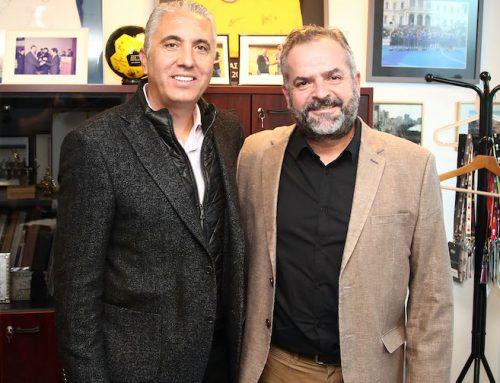 O προπονητής της ΠΑΕ ΑΕΚ Νίκος Κωστένογλου επισκέφθηκε τα γραφεία της LG