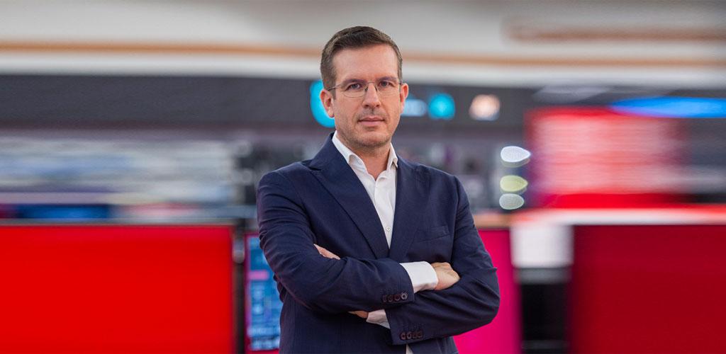 Γιάννης Βασιλάκος, Αντιπρόεδρος & Διευθύνων Σύμβουλος της Dixons South East Europe (Κωτσόβολος)