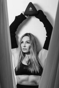 Η Ελένη Πετρουλάκη γιορτάζει την Ημέρα της Γυναίκας με αποκλειστικά δώρα για όσες την ακολουθούν στο Viber