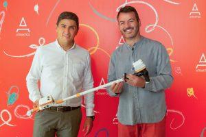 Η ομάδα Plaisiobots βραβεύεται για τη «χρυσή» της νίκη στη Διεθνή Ολυμπιάδα Ρομποτικής